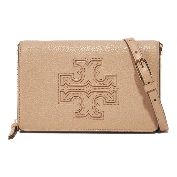 TORY BURCH harper flat wallet cross body bag - A prominent logo emblem accents this pebbled-leather Tory...