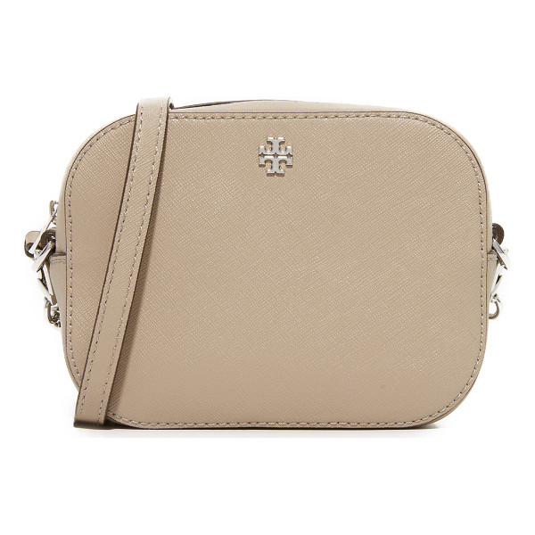 TORY BURCH robinson camera bag - A petite Tory Burch cross-body bag in saffiano leather. The...