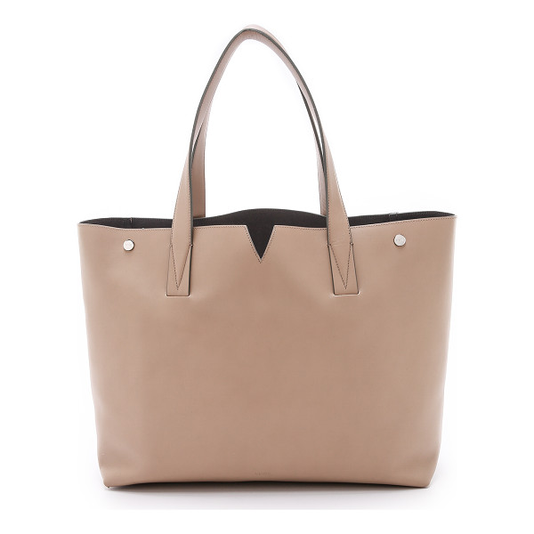 VINCE Medium tote - A supple Vince leather tote with a polished hardware and