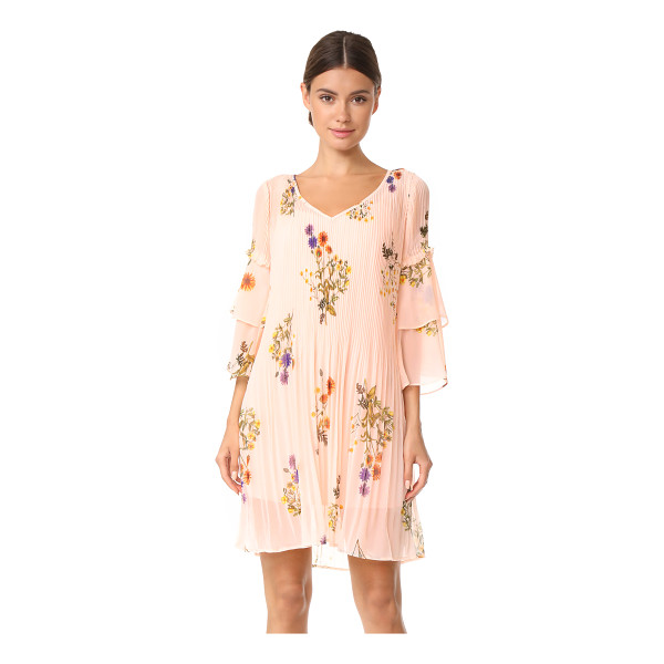 WE ARE KINDRED country field pleated shift dress - Soft, clean pleats lend movement to this breezy floral We...