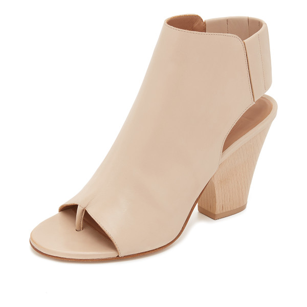 ZERO + MARIA CORNEJO Lea sandals - Smooth leather Zero + Maria Cornejo sandals styled with a