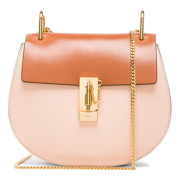 CHLOE Small drew bag - Grained calfskin leather with raw lining and gold-tone...