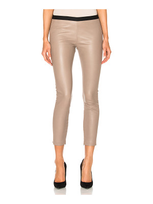 ThePerfext Brittany Cropped Pant