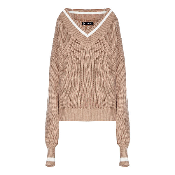 FLOW THE LABEL Oversized V-Neck Tennis Sweater - This *Flow The Label* Oversized V-Neck Tennis Sweater...