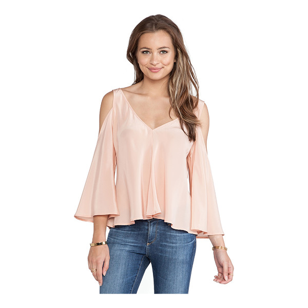 AMANDA UPRICHARD Flutter top - 100% silk. Dry clean only. Shoulder cut outs. AMAN-WS334. S...