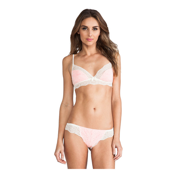 EBERJEY Hannah bralet - Nylon blend. Adjustable shoulder straps. Scalloped edges....