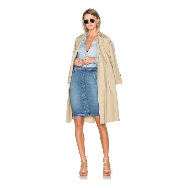 FRAME DENIM Classic Trench - Cotton blend. Belted front closure. Side welt pockets with...