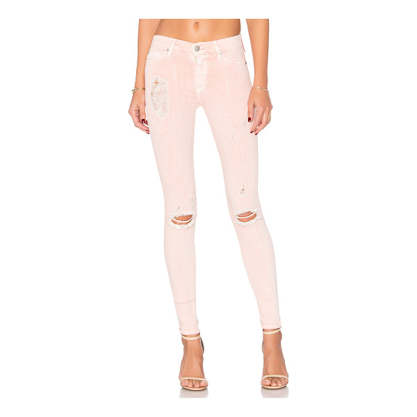 HUDSON JEANS Nico Super Skinny - 43% viscose 33% cotton 17% lyocell 5% poly 2% elastane.