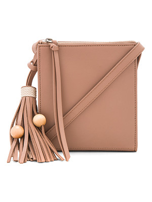 ELIZABETH AND JAMES Sara Crossbody