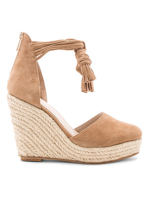 RAYE Dixie Wedge
