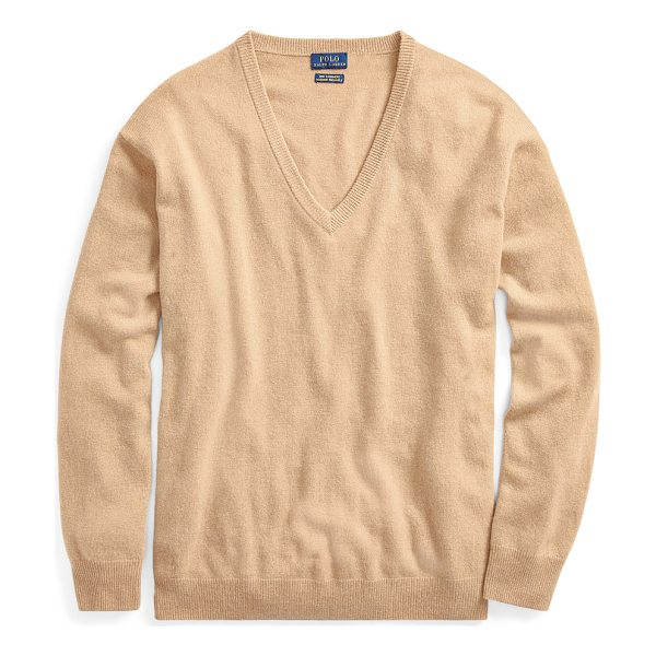 RALPH LAUREN polo  cashmere v-neck sweater - Languid lines and a high-low hem give this cashmere sweater...
