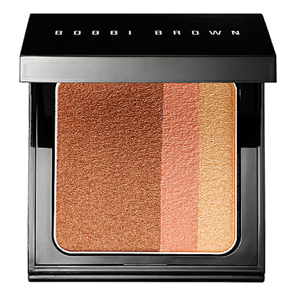 BOBBI BROWN brightening blush blush bronze - A limited-edition blush compact that leaves the complexion...