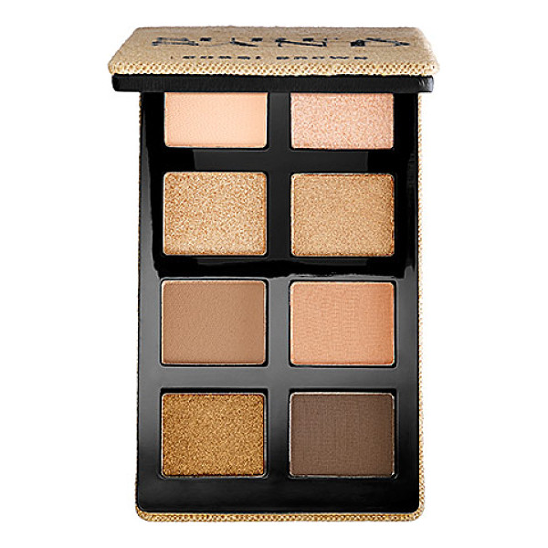 BOBBI BROWN sand eye palette - A day-to-night palette with eight neutral shades that blend...