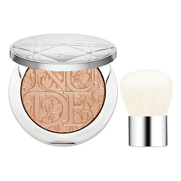 DIOR skin nude air glowing gardens illuminating powder 002 glowing nude - An illuminating powder and mini kabuki brush to sculpt the...