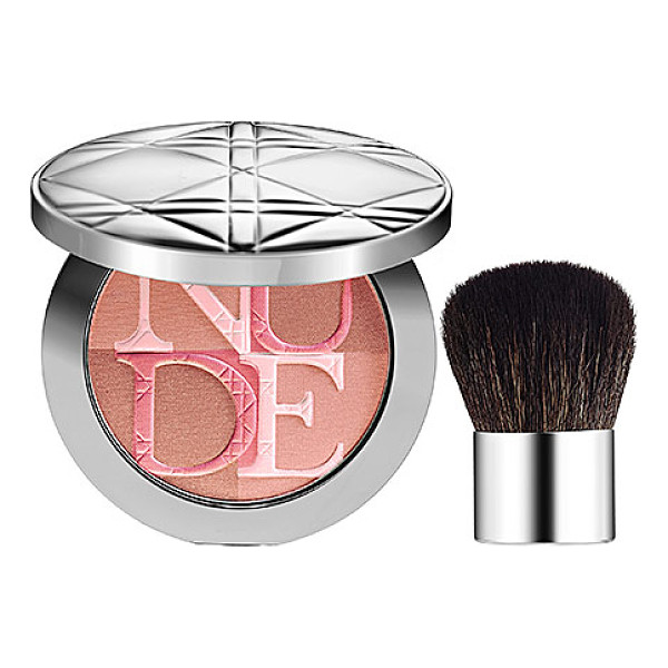 DIOR skin nude shimmer instant illuminating powder rose 001 - A shimmer powder formula that mimics a fresh glow. This...