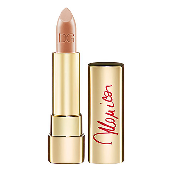 DOLCE & GABBANA monica voluptuous lipstick nude monica 20 - A highly-pigmented lipstick that gives medium to full...