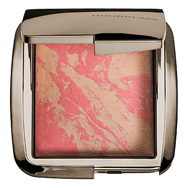 HOURGLASS ambient(r) lighting blush luminous flush 0.15 oz/ 4.25 g - A groundbreaking hybrid that combines the customized...