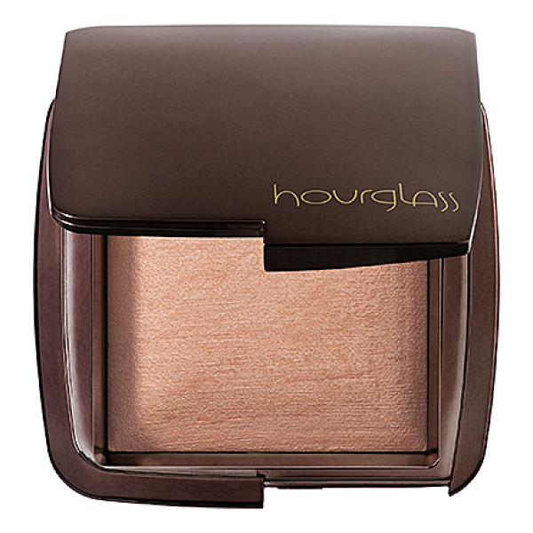 HOURGLASS ambient(r) lighting powder luminous light 0.35 oz/ 10 g - A collection of six universally-flattering finishing...