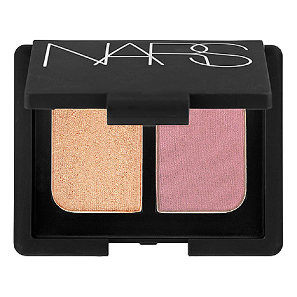 NARS duo eyeshadow sugarland 0.14 oz/ 4 g - A mini mirrored compact featuring two crease-proof NARS eye...