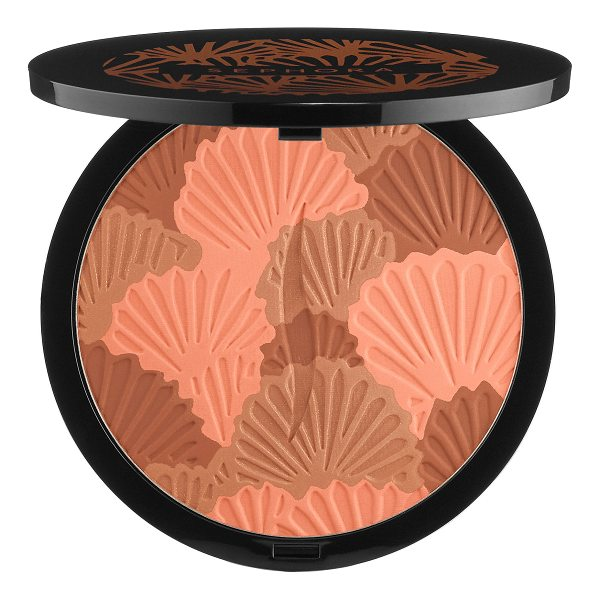 SEPHORA COLLECTION Sun Disk - Sephora's classic bronzing powder gets a makeover with the...