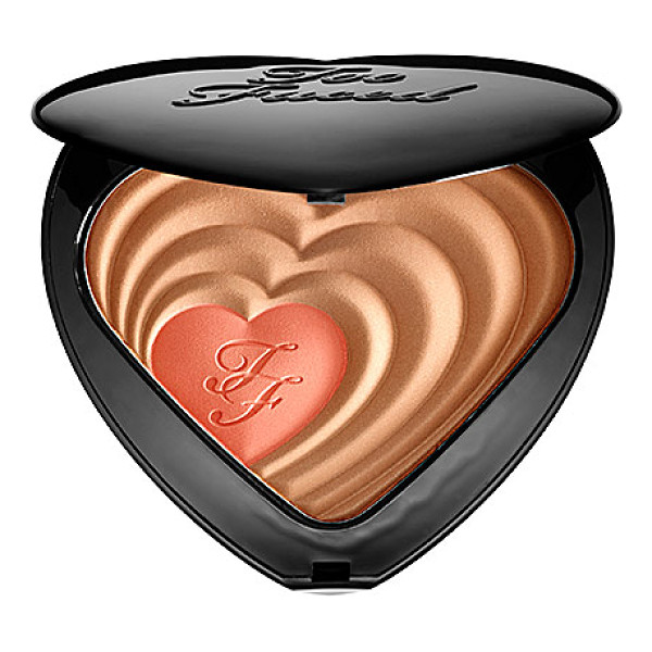 TOO FACED soul mates blushing bronzer carrie & big - A bronzer and blush duo that adds warmth, contours, and a...