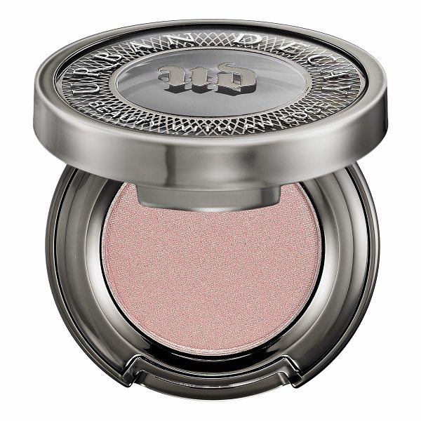 URBAN DECAY Eyeshadow Sin - An innovative eyeshadow that delivers a high-pigment,...