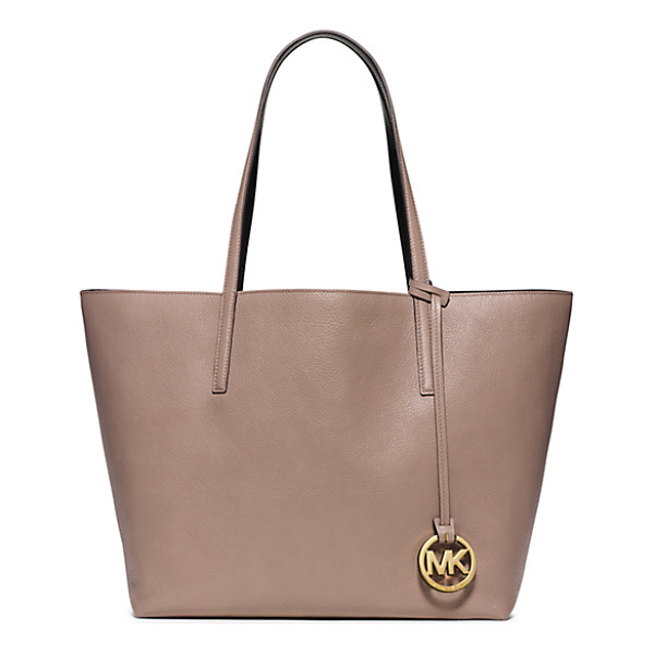 MICHAEL KORS Izzy large reversible leather tote handbag - There's beauty in the basics. Case in point our reversible...
