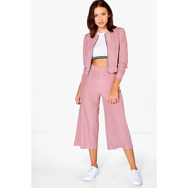 BOOHOO Abigail Crinkle Culotte - Trousers are a more sophisticated alternative to...