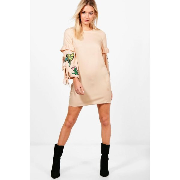 BOOHOO Abigail Embroidered Shift Dress - Dresses are the most-wanted wardrobe item for day-to-night...