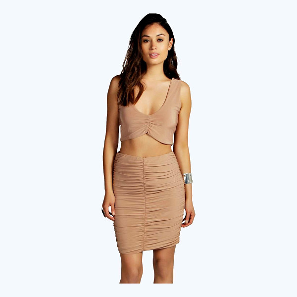 BOOHOO Abrielle Plunge Crop Midi Skirt Co Ord - Call on co-ordinates to make you a top to toe trendsetter...