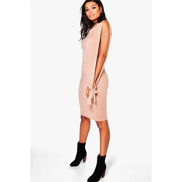 BOOHOO Addison Split Sleeved Tie Detail Midi Dress - Dresses are the most-wanted wardrobe item for day-to-night...
