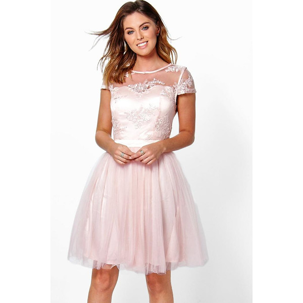BOOHOO Boutique Ayra Embroidered Mesh Skater Dress - Dresses are the most-wanted wardrobe item for day-to-night...