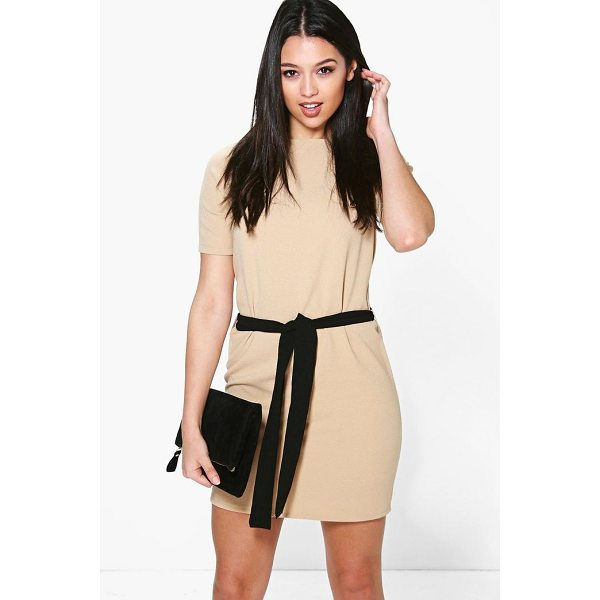 BOOHOO Cassie Tie Waist Woven Shift Dress - Dresses are the most-wanted wardrobe item for day-to-night...