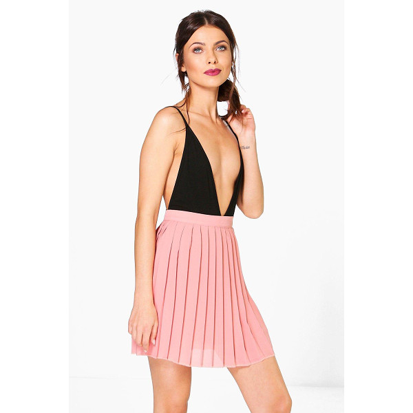 BOOHOO Cate Chiffon Pleated Mini Skirt - Party with your pins out in a statement evening skirtSteal...