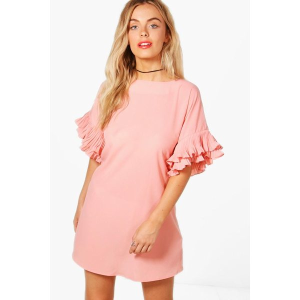 BOOHOO Daisy Ruffle Sleeve Shift Dress - Dresses are the most-wanted wardrobe item for day-to-night...