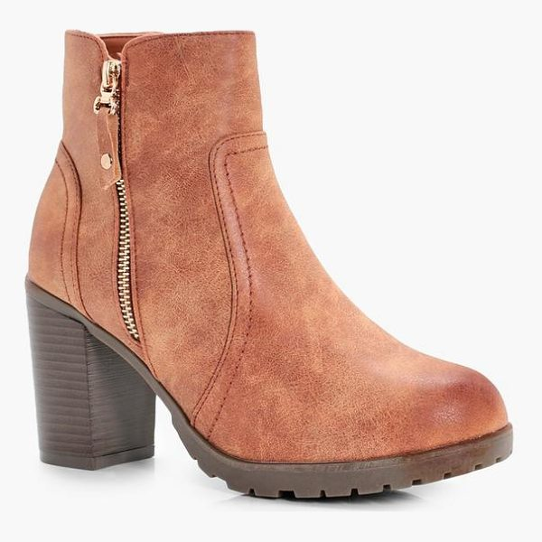 BOOHOO Emmeline Zip Side Heeled Boot - We'll make sure your shoes keep you one stylish step ahead...