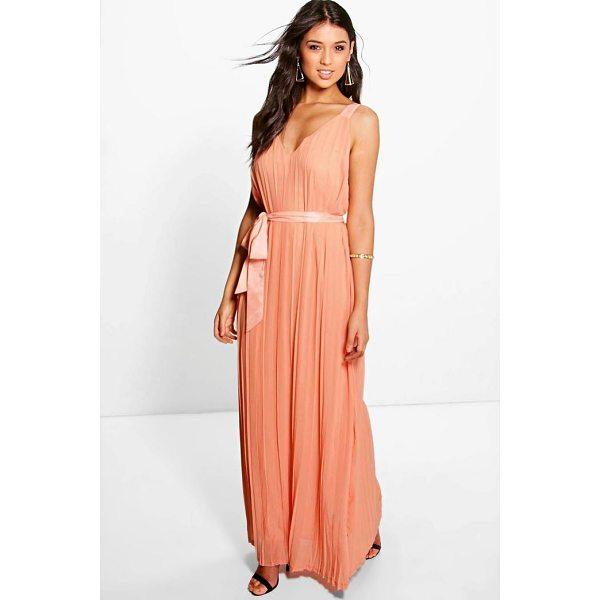 BOOHOO Hanna Chiffon Pleated Plunge Neck Maxi Dress - Dresses are the most-wanted wardrobe item for day-to-night...