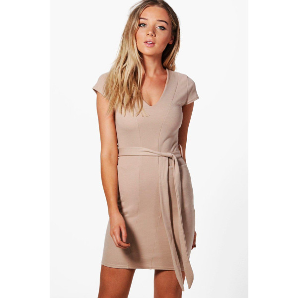 BOOHOO Olivia Pocket Front Belted Midi Dress - Dresses are the most-wanted wardrobe item for day-to-night...