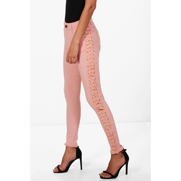 BOOHOO Penelope Mid Rise Skinny Jeans - Jeans are the genius wear-with-anything wardrobe...