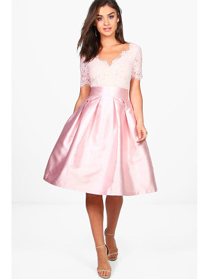 Boohoo Boutique Eyelash Lace Skater Dress