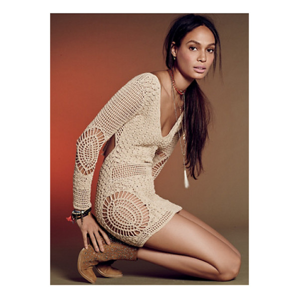 FLOOK Alexis dress - Crochet cotton tunic featuring a V-neckline and open back...