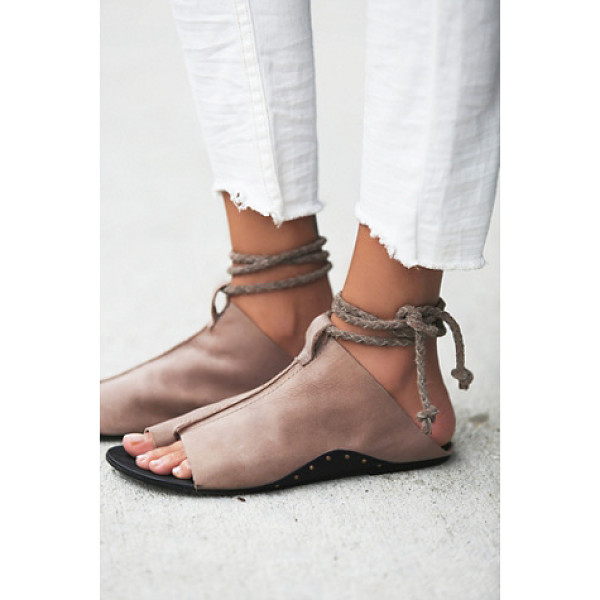 FP COLLECTION Cherry valley sandal - Slip on leather sandals with a braided suede wraparound...