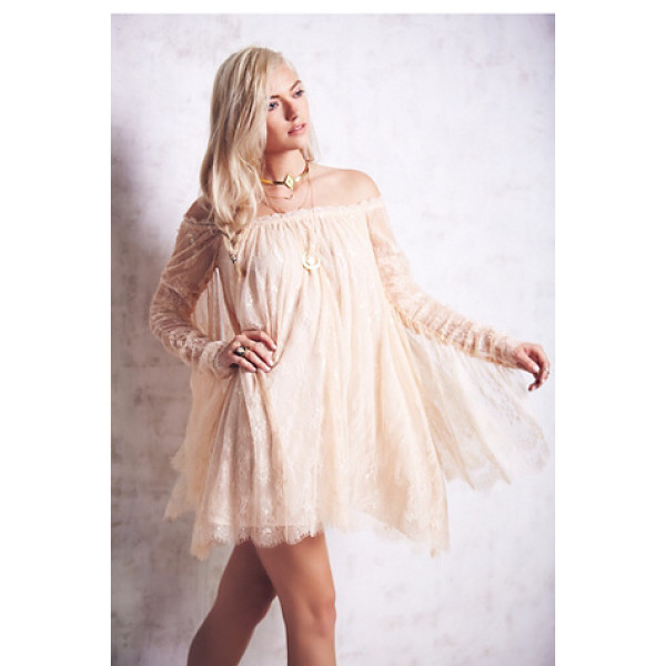 FREE PEOPLE Angel lace trapeze mini dress - Femme lace babydoll. Dramatic lace panels cascade from...