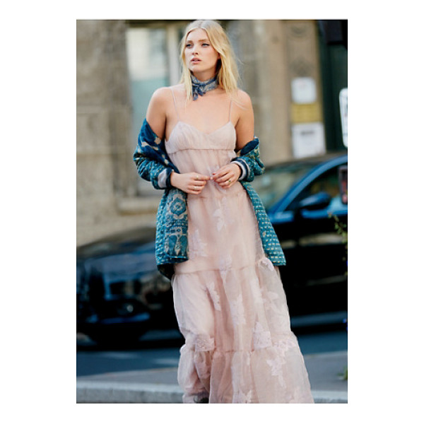 FREE PEOPLE Black rose tulle maxi - Ethereal and dreamy this stunning tulle maxi features a...