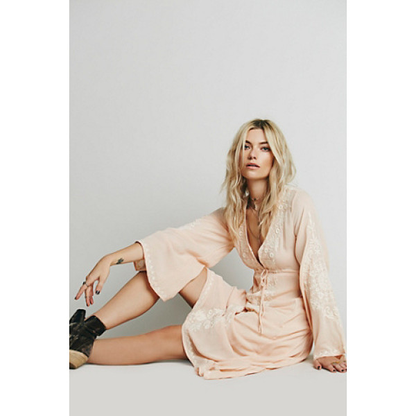 FREE PEOPLE Dreamweaver dress - Beautifully embroidered high low dress with hook and eye...