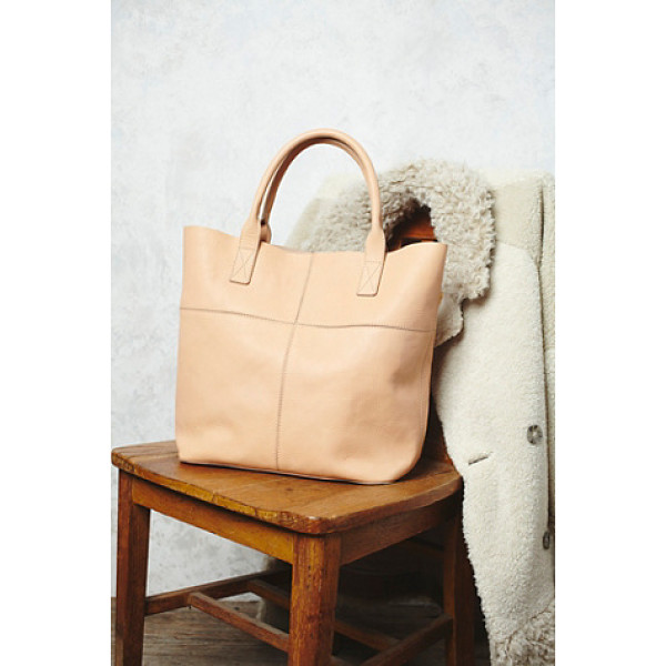 FREE PEOPLE Legends of the fall tote - This luxe leather tote is perfect for everyday and is just...