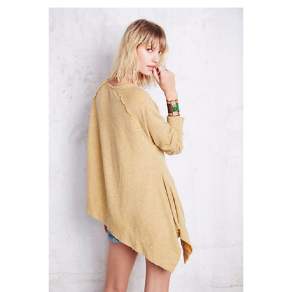 FREE PEOPLE Raw edge shark bite pullover - Super soft and comfy oversized pullover with an exaggerated...