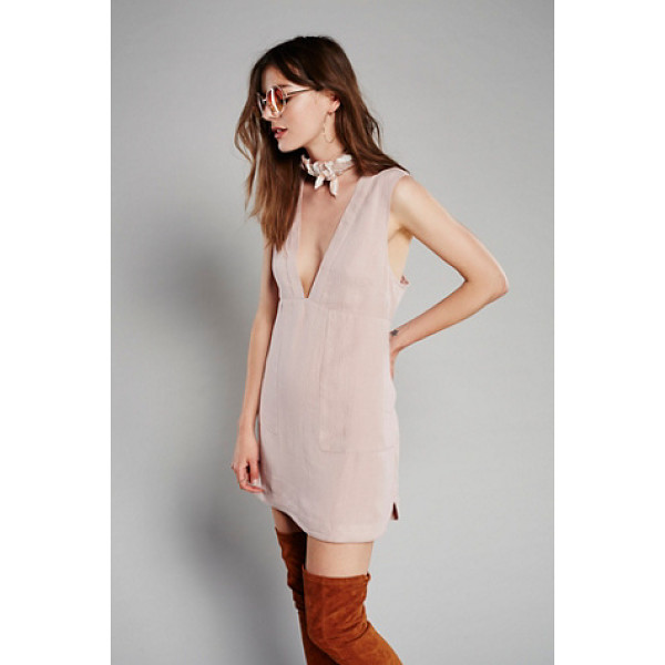 FREE PEOPLE Sweet dreams shift dress - Woven shift dress featuring a plunging V-neckline and hip...