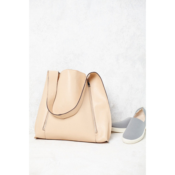 FREE PEOPLE Vegan barbary bag - Oversized and effortless vegan leather tote featuring an...