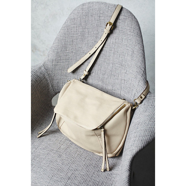 FREE PEOPLE Zip around crossbody - This vegan leather crossbody has it all! Super easy to tote...